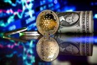 Европол арестува 10 хакери за кражба на криптовалута от знаменитости за 100 млн. долара