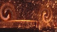 Ритуал на 500 години: в Китай показаха огнено шоу от железни искри