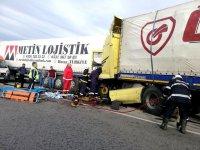 Мъж е в тежко състояние след катастрофа между два тира на пътя Русе – Бяла