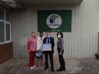 Посланикът ни в Република Северна Македония предостави хуманитарна помощ в Щип