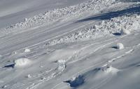 Трима загинаха, пометени от лавини в Словения