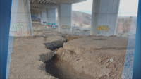 "Огромна пукнатина под колоните на магистрала ""Струма"""