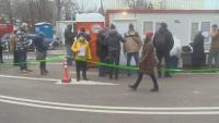 """Отново опашка от чакащи за ваксинация пред """"Пирогов"""""""