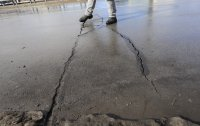 снимка 2 Пукнатини в асфалта на Лъвов мост само 5 години след ремонта