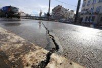 снимка 1 Пукнатини в асфалта на Лъвов мост само 5 години след ремонта