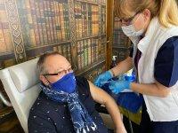 Популярни артисти се ваксинираха във ВМА
