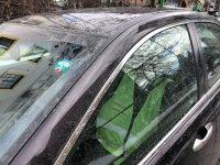 Специално: Полицаи използват жилетки, фуражки и палки, за да не плащат за зелена зона