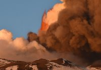 снимка 4 Вулканът Етна изригна отново (Видео, снимки)