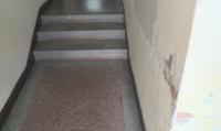 Блок в Русе се наводнява при всеки дъжд заради некачествен ремонт