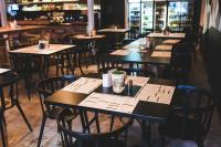 Ресторанти в големите градове са в очакване на първите си клиенти