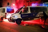 Протестите в Барселона за освобождаване на рапъра Хасел прераснаха в безредици