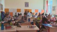 Въвеждат електронна система за класиране на първокласниците в София
