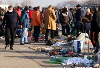 снимка 2 Битпазар в събота - без дистанция и маски, със струпване на хора