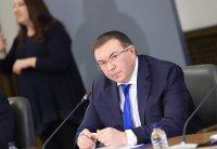 Нямаме нужда от учтивост, а от ваксини, категоричен е министър Ангелов