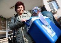 снимка 3 Опашка от лични лекари за ваксини пред РЗИ-София