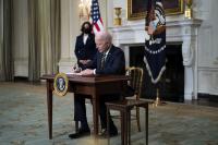 Байдън отмени с указ ограниченията за частичната имиграция