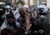Обвиняват гръцкото правителство за полицейско насилие над журналисти