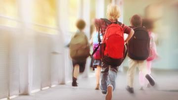 Пролетната ваканция за учениците до 11. клас ще бъде от 3 до 11 април