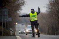 Чехия затяга мерките, ограничават придвижването заради COVID-19