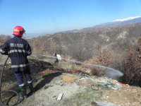Пламна нерегламентирано сметище край Благоевград
