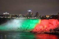снимка 2 Исторически момент: Ниагарският водопад светна в цветовете на българския флаг