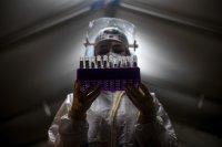 Работодателите в Чехия тестват служителите си за COVID-19 всяка седмица