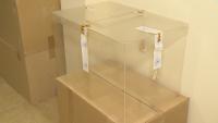 Как се съхраняват урните за гласуване между различните вотове?