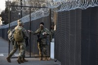 снимка 4 Засилени мерки за сигурност във Вашингтон след сигнал за готвено нападение над Капитолия