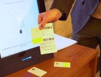 снимка 4 ЦИК показа бюлетините и машините, с които ще гласуваме