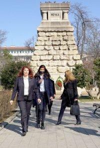 снимка 2 Поклонение пред Докторския паметник за загиналите медици в Руско-турската освободителна война