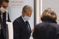 Осъдиха Саркози на 3 години затвор
