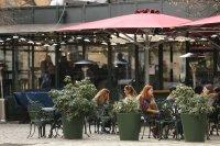 снимка 6 Пълни улици и заведения в София (Снимки)