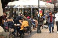 снимка 5 Пълни улици и заведения в София (Снимки)