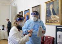 """Проучват смъртен случай в Хърватия след ваксинация с """"Астра Зенека"""""""