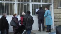 Хаос в болничните заведения във Варна: Хората за реимунизация не знаят, че имат час
