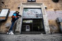 В части от Италия от понеделник ще излизат само до работа и по здравословни причини