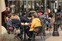 снимка 4 Пълни улици и заведения в София (Снимки)