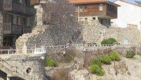 Собственикът на имот в Созопол: Крепостната стена е абсолютно фалшива, незаконна, бутафорна, измислена!