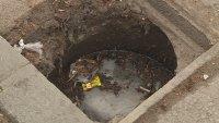 Липсващи капаци на шахти застрашават живота на шофьори и пешеходци във Варна