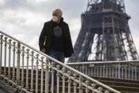 Франция въдежда нови строги ограничения - вечерен час за парижани