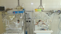 Бабата на близнаците от Карнобат: Категорично няма да допуснем осиновяване на децата