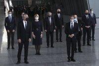 Външните министри от НАТО обсъждат Русия: Втори ден от срещата им Брюксел