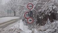 Сложна пътна обстановка заради новия снеговалеж в Родопите