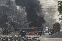 Мианмар освободи 600 задържани протестиращи