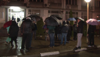 Протест в подкрепа на отстранените полицаи след гонката в Казанлък