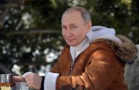 """Путин отхвърля критиката срещу """"Спутник V"""", ще се ваксинира утре"""
