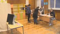 Първите гласоподаватели вече дадоха гласа си в район Искър