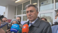 Председателят на ДПС Мустафа Карадайъ гласува