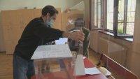 Избираме нов парламент в пандемия: Строги мерки в секциите, подвижни урни и масово машинно гласуване