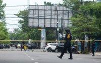 снимка 3 Експлозия пред католическа църква навръх Палмова неделя в Индонезия